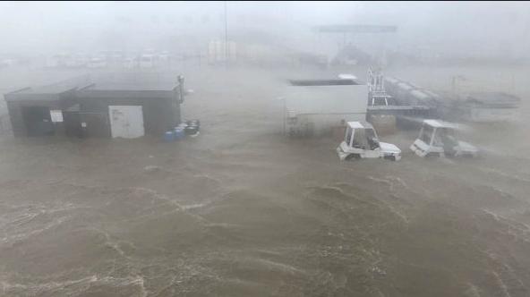 【台風21号】関西空港 滑走路や駐機場が広い範囲で浸水