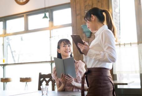 【社会問題】日本の過剰な接客がクレーム客を産む