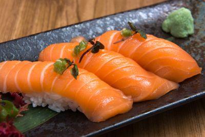 【意外】ミシュランに掲載された寿司屋さんでサーモンを取り扱ってる店はなんと…