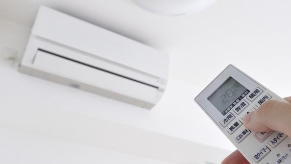 【太っぱら】全国の生活保護者にエアコン購入代5万円を支給