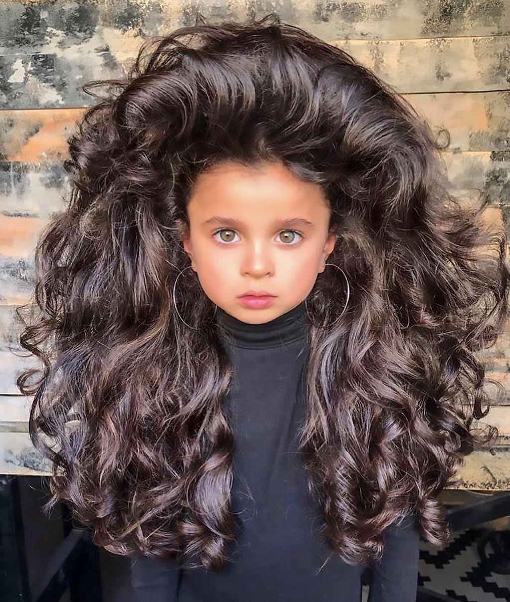【画像】髪の毛がモリモリフサフサな5歳女児、インスタフォロワー5万人突破wwww