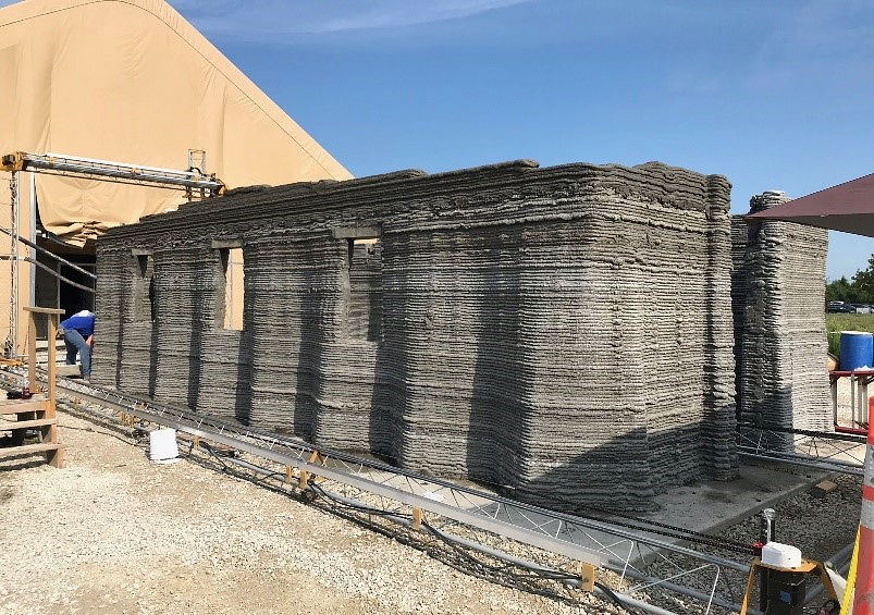 【驚愕】アメリカ海兵隊、24時間でコンクリート製兵舎を建設する技術を開発!3Dプリンタを使用