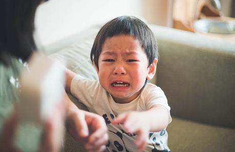 「私の連れ子(5)を殴ったので義理の息子(10)をしばいた」虐待の疑いで無職の母親(35)逮捕