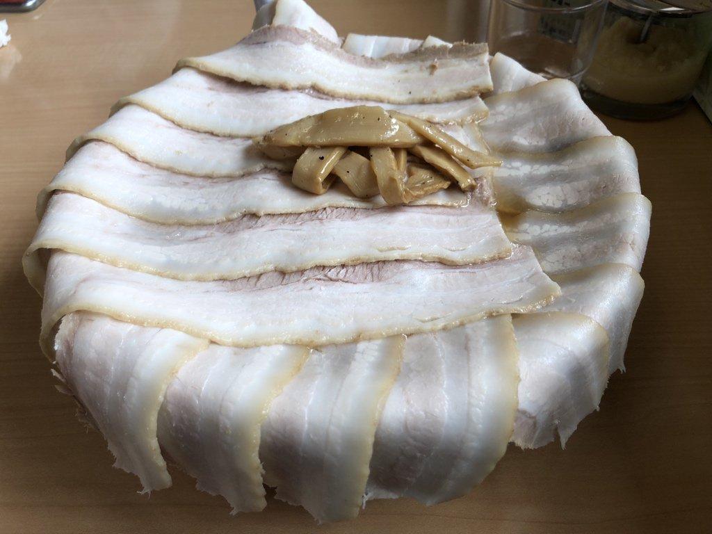 【驚愕】青森でとんでもないチャーシュー麺が見つかるwwwwwww