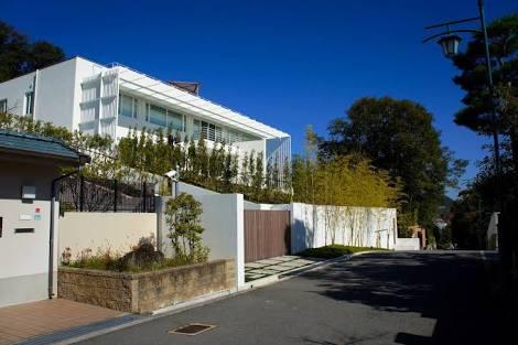 【画像】六麓荘町とかいう日本最高級住宅街wwwww