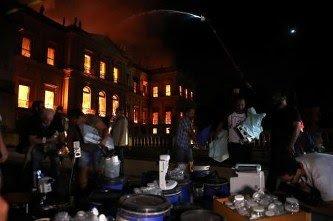 【悲報】ブラジル国立博物館で大火災 貴重な収蔵品2000万点が焼失か