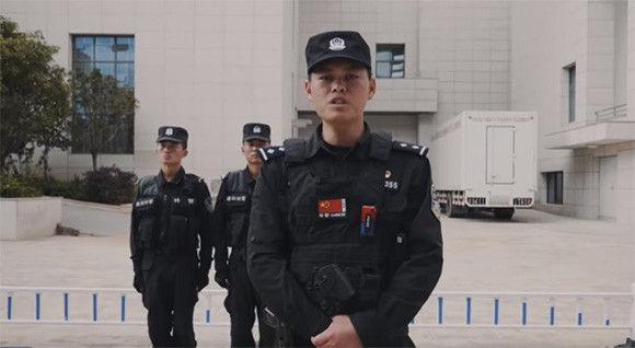 """【動画】10秒でわかる。刃物で攻撃された場合の""""正しい対処法""""を中国軍人が公開!女性でも実践可能!!"""