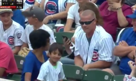 【動画】MLB、ファールボールを子供から強奪した客を全世界に晒す 客に批判殺到