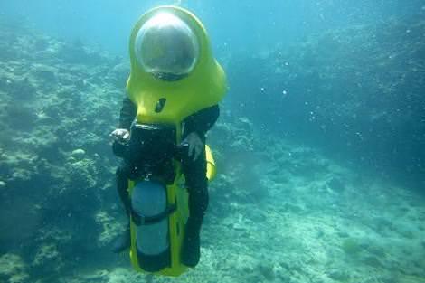 【タイ洞窟】少年ら潜水訓練開始「100%確信まで準備」救出方法は、浸水した洞窟を伝って外に連れ出すやり方に絞られつつある