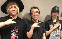 【悲報】冨樫義博さん、欅坂46のライブで発見されてしまう