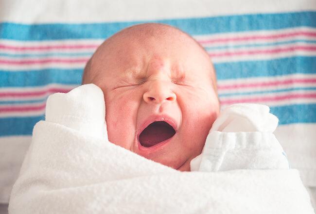 【朗報】 パリの列車内で赤ちゃん誕生、記念して生まれた子どもは25歳まで乗車無料に