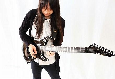 【訃報】「BABYMETAL」のギタリスト・藤岡幹大さん死去 高所から落下してそのまま死に至る