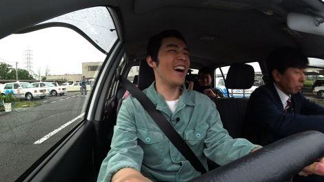 【朗報】盲目の漫談家・濱田祐太郎、車の運転に挑戦「見えていないのに、けっこう運転できた」