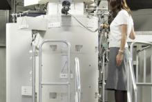 【悲報】地震被害で世界最先端の超高圧電子顕微鏡が割れる iPS細胞研究など停滞の懸念