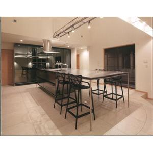 【画像】元TOKIO山口メンバーが売りに出した5億円の家がこちらwwww