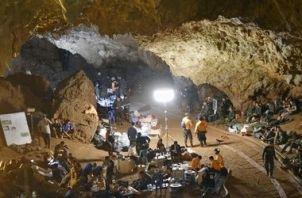 【朗報】タイの洞窟救出、日本の支援に国王から感謝状 衛星画像を無償提供