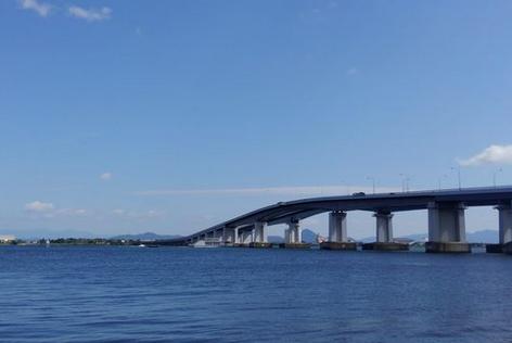 【悲報】琵琶湖大橋、車で8分。徒歩では…なんと7時間32分!!