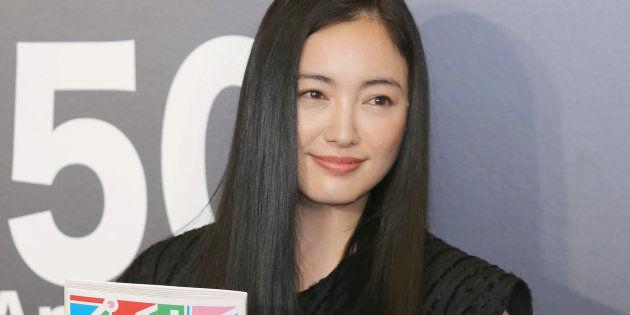 【朗報】仲間由紀恵さん、双子を出産