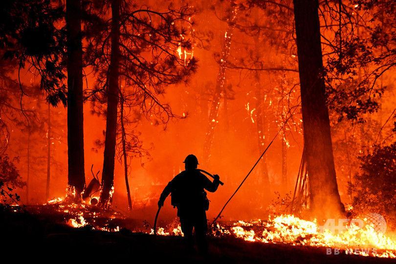 【悲報】アメリカ・カリフォルニア州でまた山火事 心身ともに消耗する消防隊員 出動中に死亡やストレス自殺