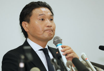 【悲報】貴乃花親方さん、うっかり「退職届」ではなく「引退届」を提出してしまい受理されず