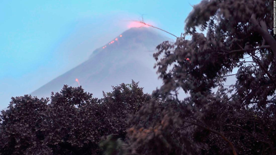 【惨事】グアテマラ噴火、死者62人に。火砕流が集落襲来「住民は避難する時間さえなかった」
