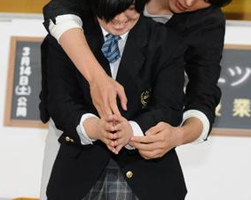 【東京メンバー】女子高生に抱きつき…胸触る 大学生逮捕「酔っていた」