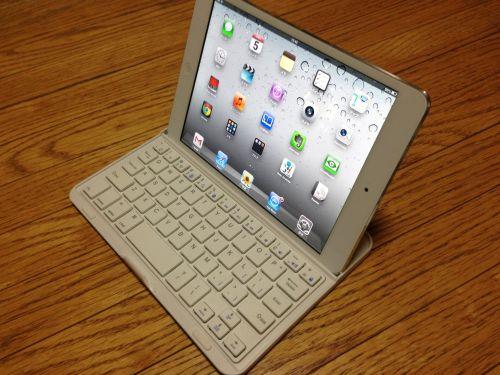 iPad mini 用Bluetoothキーボードがかなりイイ!超コンパクトなのに外出先で書類やメール作成の効率が大幅アップするぞ!!物欲レビュー!!