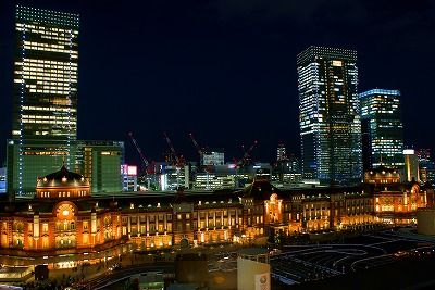 sThe_night_view_of_Tokyo_station