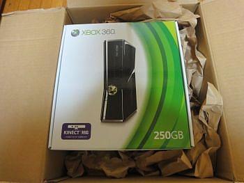本日発売・新型 Xbox 360 250GBモデル レビュー