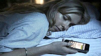 sleep-texting1_s