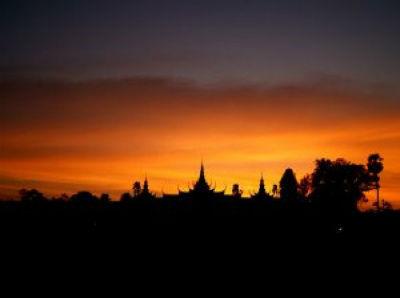 phnom-penh-pagoda_2508735_s