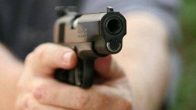 253220-gun-handgun-shot1_s