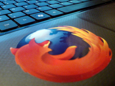 firefox-logo-on-laptop(2)
