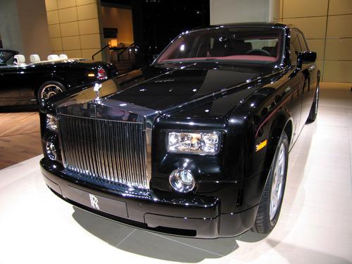 Rolls-Royce_Phantom_(2003)_(IAA_2007)