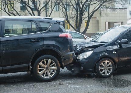 【速報】山口ナンバーの車が電柱に衝突