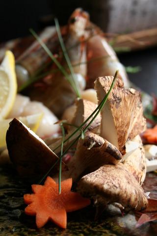 夏の疲れは天然温泉と秋の美食で癒す!