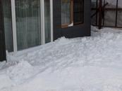 窓周りの雪撤去