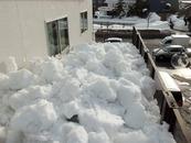2階の窓まで雪が