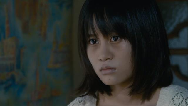 映画「クロユリ団地」の前田敦子