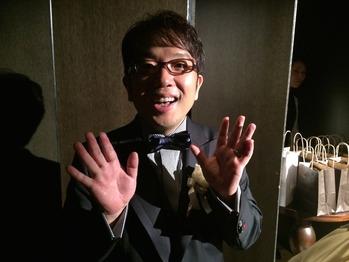 挙式に初参加の香取君、「あれ?うちの事務所?」っていうくらい浅井企画の人に囲まれてた(笑)【結婚式インタビュー】