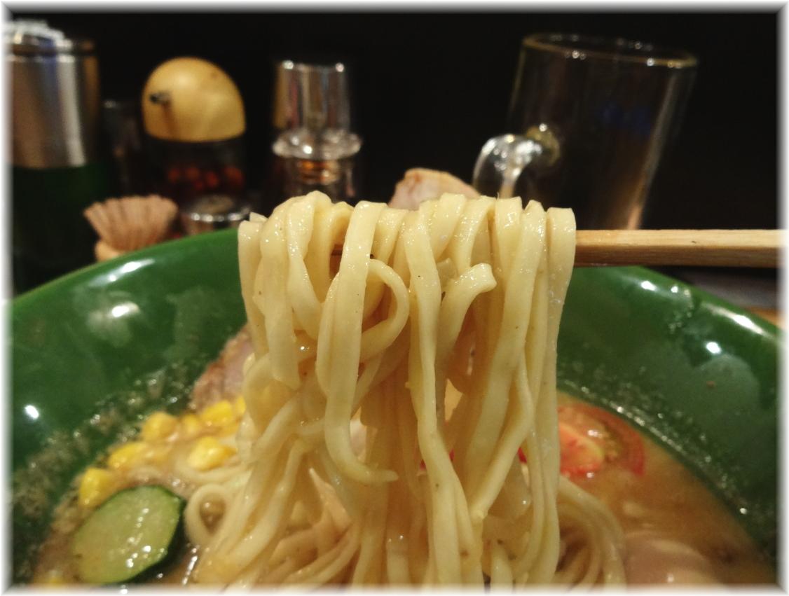 ヌードルバー凪 煮干ベジソバの麺