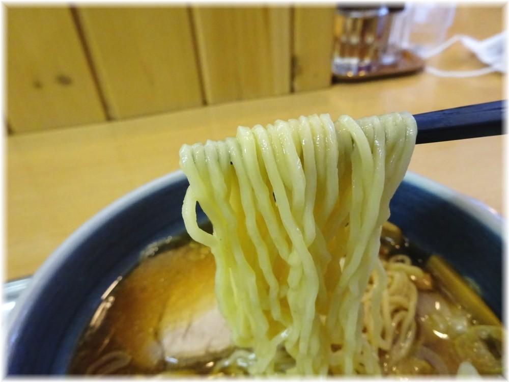 大宮大勝軒 チャーシューワンタンメン(小)の麺