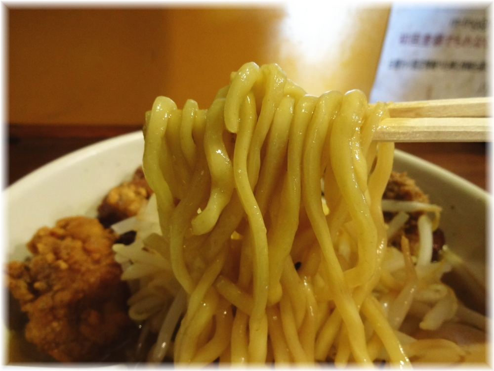 麺処丹行味素超辺鄙 ガッツリ!焦がし味噌麺の麺