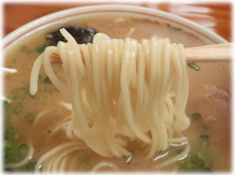 圭順 ラーメンの麺