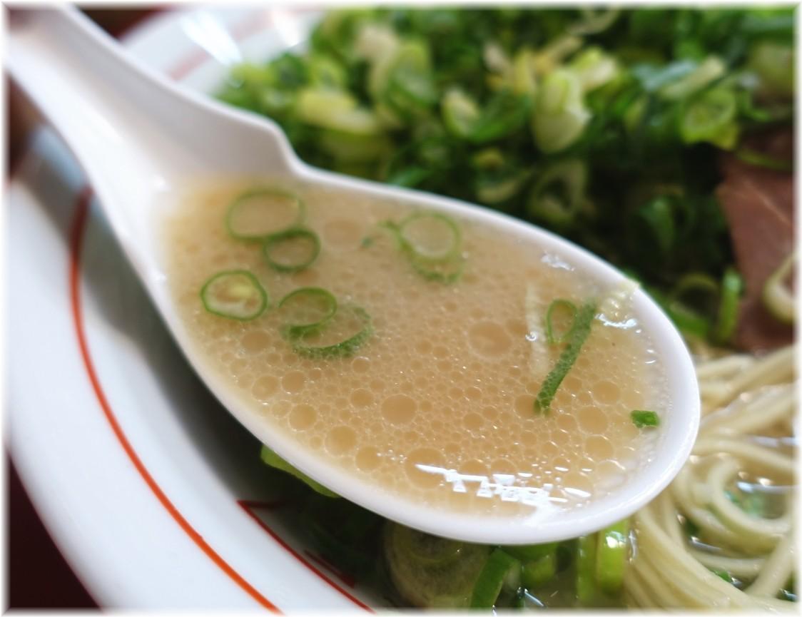 やまちゃん銀座店 博多ネギぼっこしラーメンのスープ