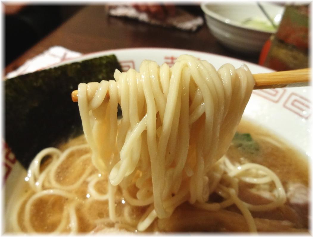 串あげ ムタヒロ4号店 夜鳴き煮干中華そばの麺