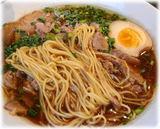 万豚記 神田小川町店 叉焼麺の麺
