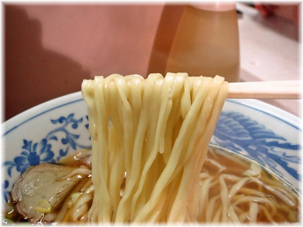 岐阜屋3 ラーメンの麺