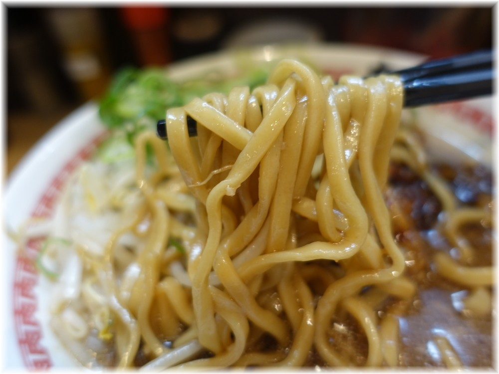肉汁麺ススム三田店 肉汁麺(レベル2)の麺