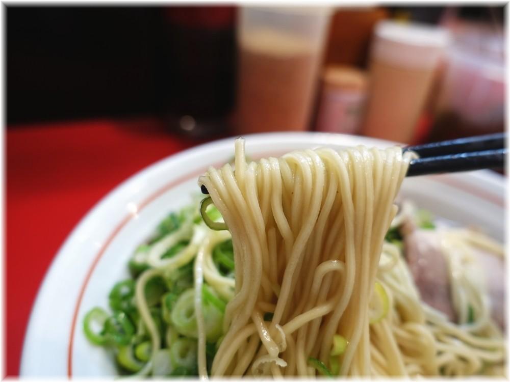 やまちゃん銀座店 博多ネギぼっこしラーメンの麺